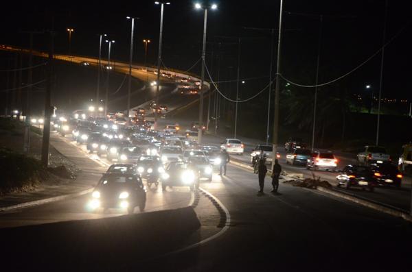 Trânsito nas proximidades da ponte Newton Navarro ficou lento por causa do protesto