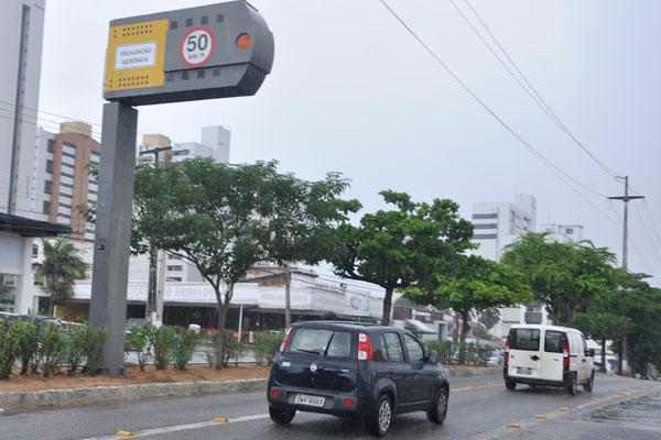 Lombada eletrônica da 'Prudente' será trocada por semipórticos