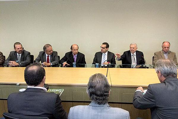 José Maria Marín apresentou proposta ao deputado Henrique