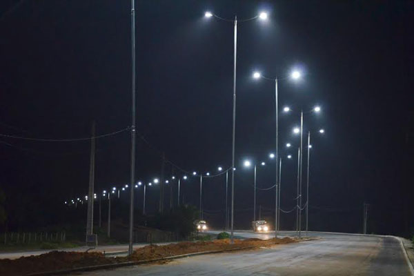 Nova iluminação do acesso norte ao novo aeroporto
