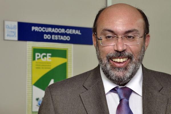 """Miguel Josino foi lembrado pelos amigos e autoridades do RN como """"um homem de muita fé e """"de devoção ao direito e ao amor à vida"""""""