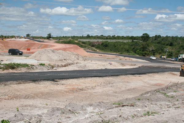 Desvio provisório cruza a BR-304, mas não está prevista a instalação de semáforo no trecho