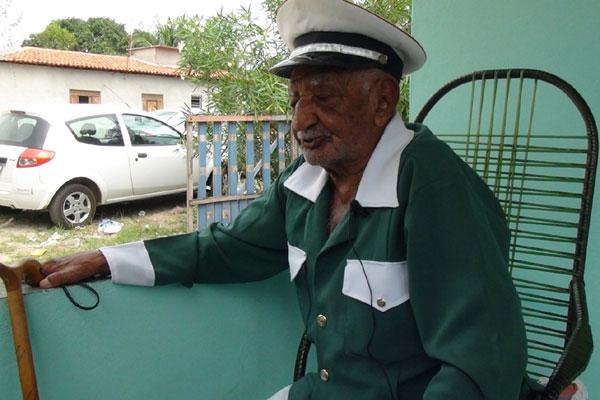Patrimônio Vivo do RN, Tião Oleiro criou o Congo de Guerra inspirado em grupo de seu pai