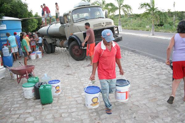 Oito cidades estão em colapso, entre elas, João Dias, e dependem completamente do carro-pipa