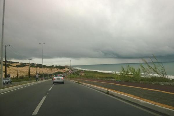 Manhã desta quarta-feira (28) começou com nuvens carregadas na capital potiguar