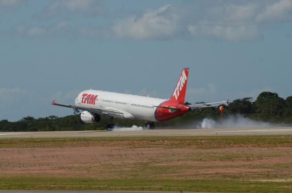 Aeronave da TAM pousou às 9h20, vinte minutos antes do previsto