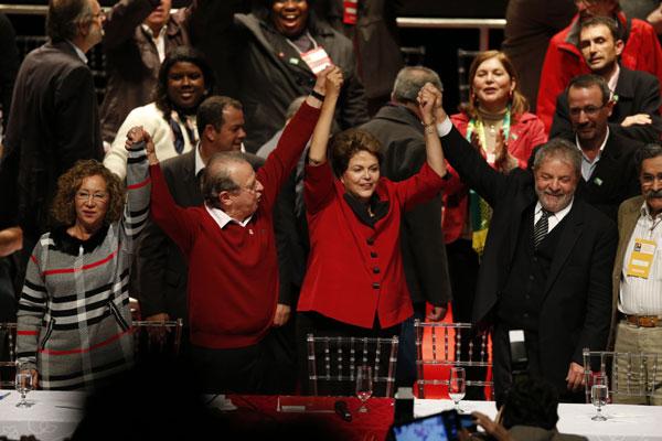 Dilma Rousseff faz a defesa da Copa do Mundo e pede empenho para a reforma política