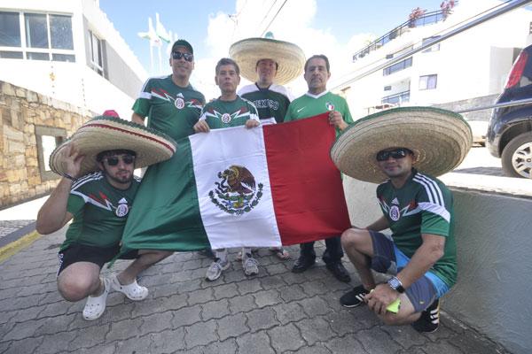 Grupo é formado por pais e filhos que vão curtir a primeira Copa do Mundo juntos