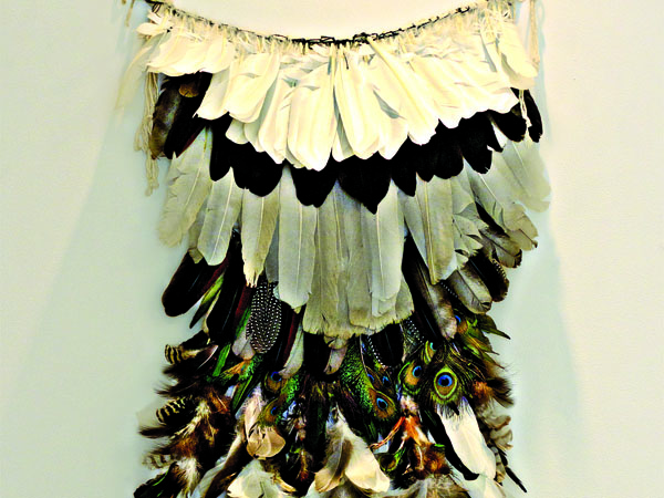 Exposição reúne artefatos, fotografias e documentos, riquezas indígenas que ajudam neste reencontro do brasileiro com seu passado. A mostra também dialoga com a situação indígena do Rio Grande do Norte
