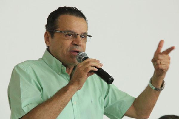 Candidato do PMDB, Henrique tem 38,24% das intenções de voto
