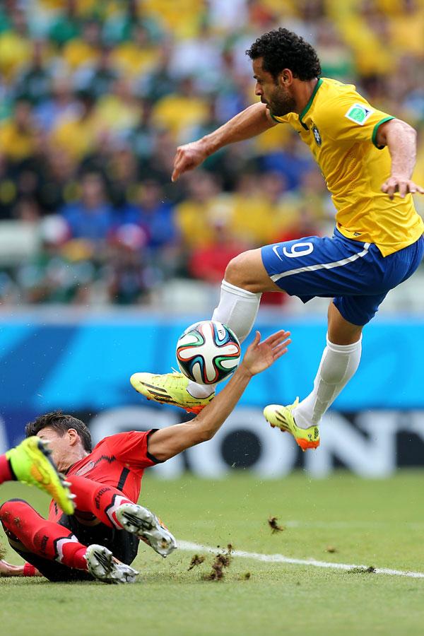 Atacante Fred diz que gol contra Camarões vai sair