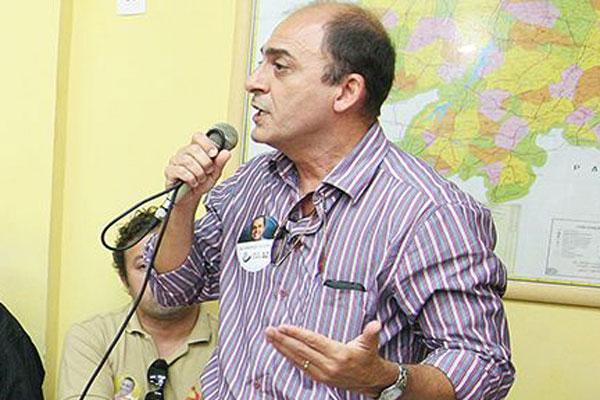 Antenor Roberto evita falar em racha político