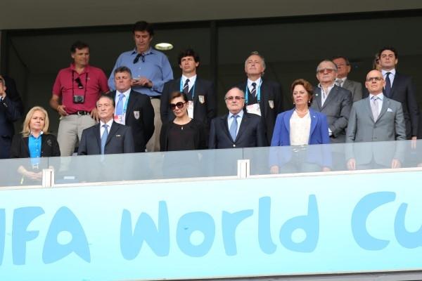 Presidente da Fifa acompanhou o jogo no camarote ao lado da governadora