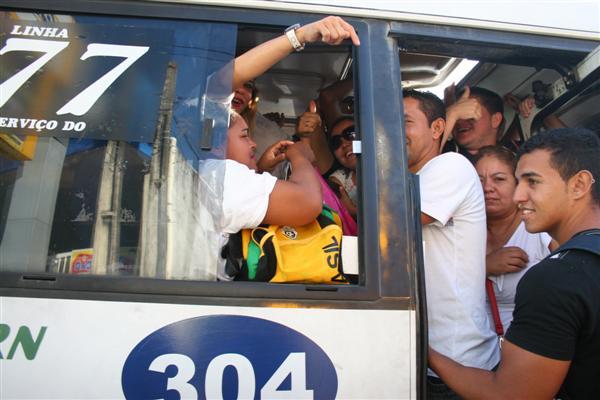 Greve dos rodoviários deixou paradas e alternativos lotados na Zona Norte