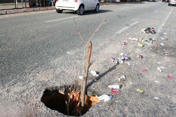 Com as chuvas, os buracos aumentaram em diversas regiões