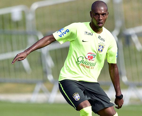 Fernandinho mostrou força na marcação e também capacidade de apoiar o ataque da Seleção