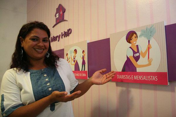 Aline Nadja Veras, 30 anos, fala com orgulho da profissão que escolheu