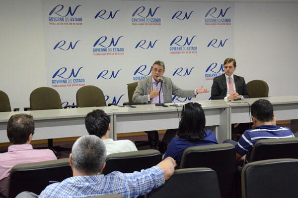 Obery explica que governo reduzirá investimentos para adiantar pagamento do décimo terceiro