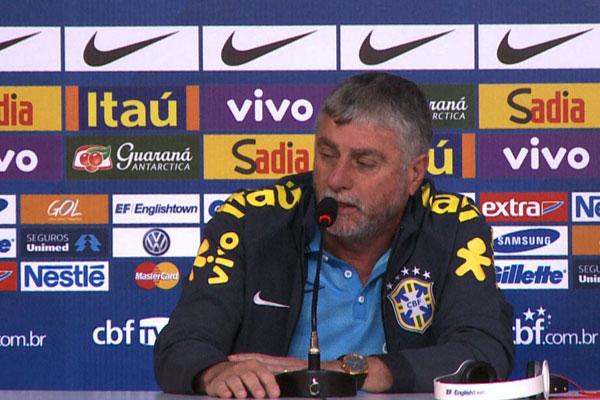 O médico da seleção brasileira José Luis Runco concedeu entrevista na tarde deste sábado (5)
