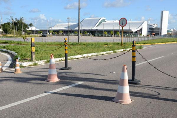 Ontem a Fecomércio apresentou à Aeronáutica proposta de criar no prédio do 'Augusto Severo' um complexo comercial e cultural, com a implantação de um novo Centro de Convenções