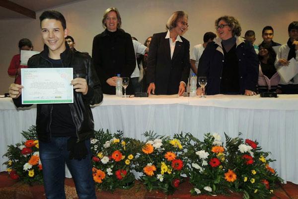 Martins Neto redigiu redação sobre o ensino médio no país
