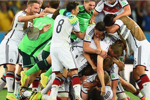 Alemanha e Argentina disputaram a final da copa em 13 de julho