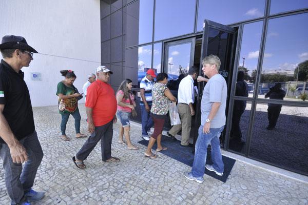 Ontem, três das cinco famílias foram à sede da Polícia Federal para a coleta de DNA e estão com esperanças de alguma identificação