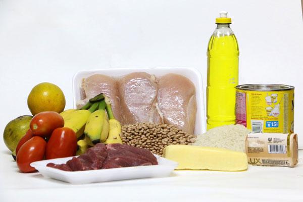 """A TRIBUNA colheu os preços de uma """"cesta"""" de produtos básicos"""