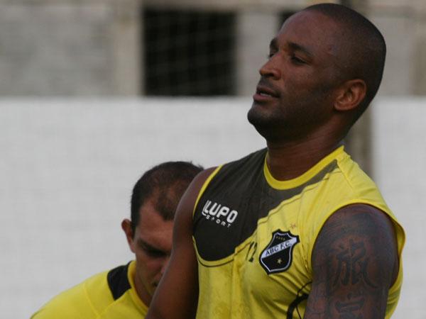 Rodrigo Silva está confirmado no ataque titular da equipe do ABC