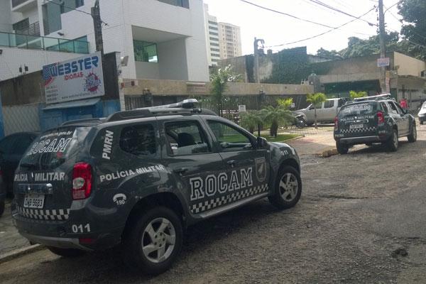 Policiais da Rocam dão apoio à ação do MP