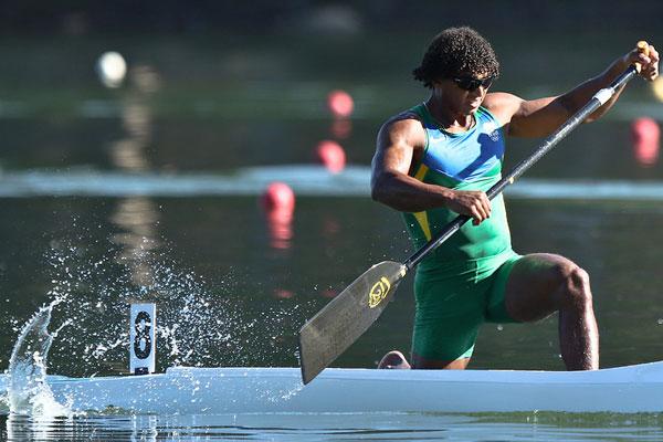 Isaquias Queiroz garantiu a primeira medalha do país em um Mundial de Canoagem Velocidade com o bronze na prova olímpica do C1 1000m