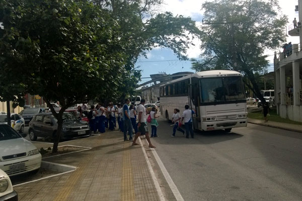 Estudantes seguiam para visita ao campus central da UFRN