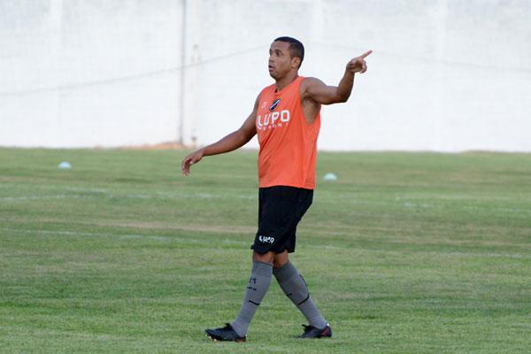Recuperado, Rogerinho pode ser a novidade do ABC contra o Vasco