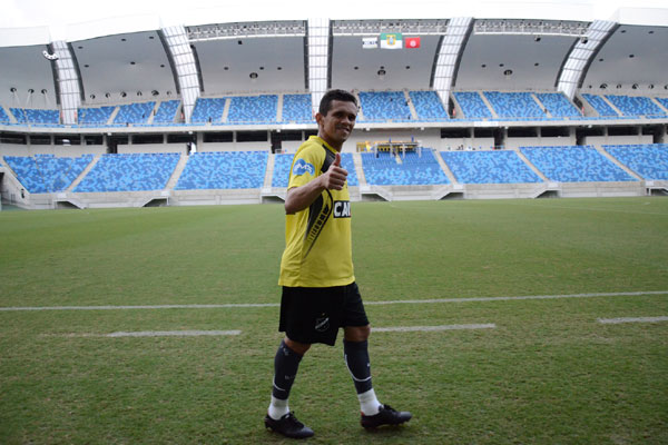 Na primeira oportunidade como titular, João Paulo acredita que a condição do gramado, na Arena, vai favorecer o seu estilo de jogo