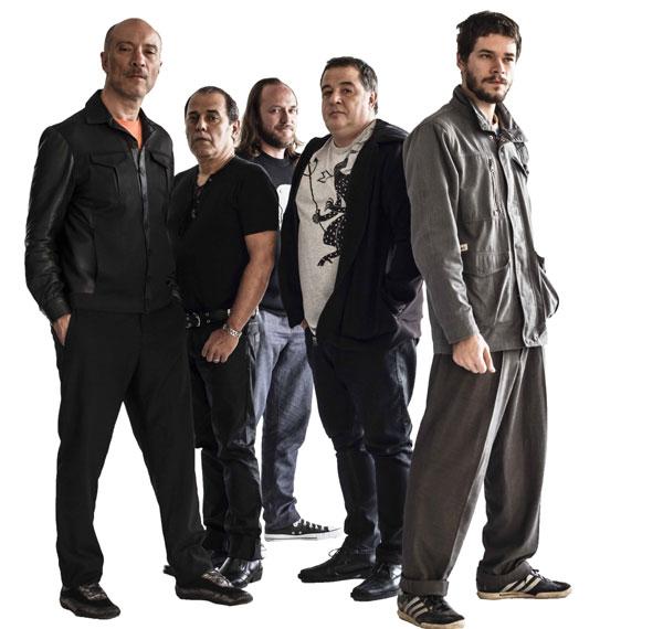Após intervalo de sete anos, o Ira! volta com nova formação como quinteto. A banda está na estrada com a turnê Núcleo Base e já prepara novo disco de inéditas