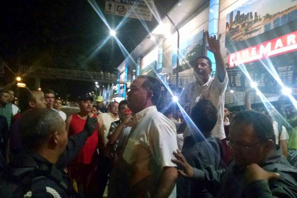 Categoria faz protesto após morte de um taxista em Extremoz