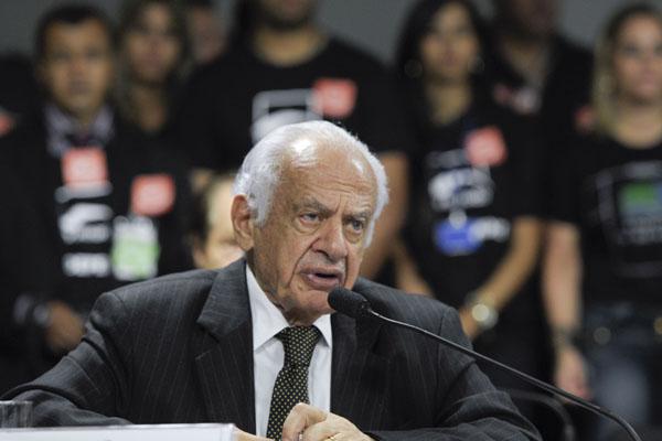 Simon lembra que polícia, empresas e sede do Partido Libertador foram atacados em Porto Alegre