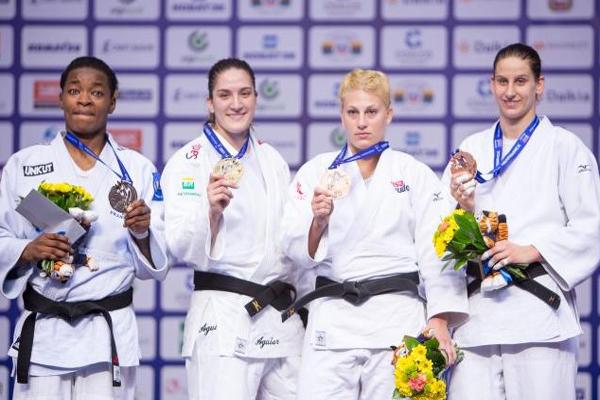 Mayra Aguiar conquistou o título mundial de judô e sua quarta medalha na competição