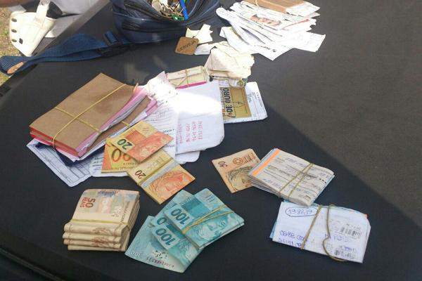 Dinheiro foi encontrado durante operação nesta madrugada