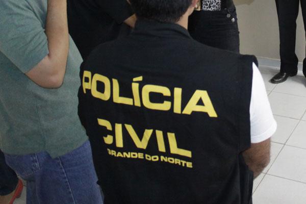 Polícia Civil cogita suspender as atividades e cobra reposição de salários