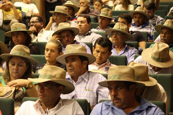Produtores rurais no auditório da Casa da Indústria: Setor espera mais infraestrutura, água, educação e renda para crescer no RN