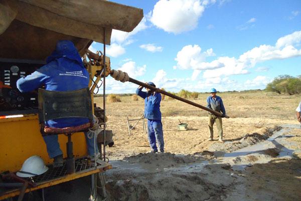 Apesar da baixa resolutividade, Semarh mantém perfuração na zona rural. Caicó já recebeu 29 poços