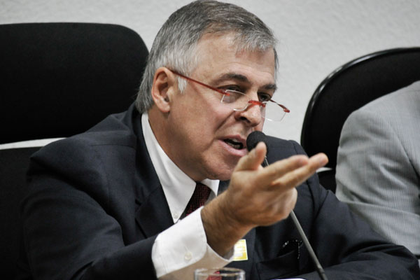 Paulo Roberto Costa está preso na Superintendência da PF, em Curitiba