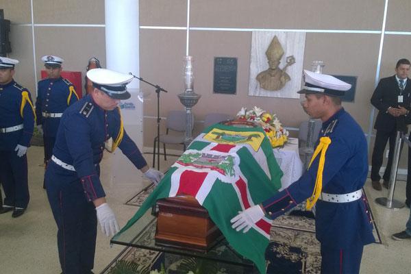 Corpo do ex-governador Iberê Ferreira de Souza é velado na Escola de Governo