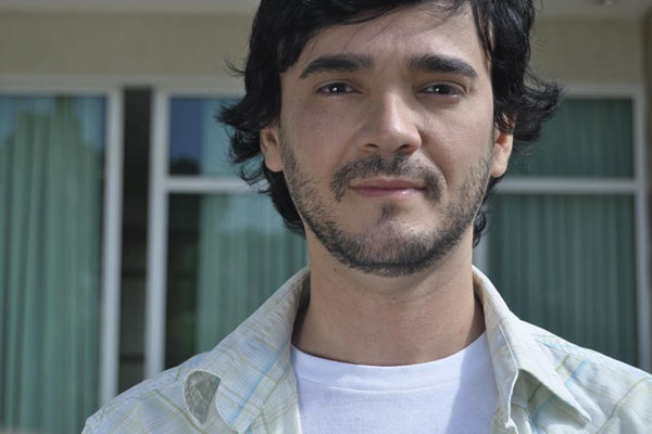 Rodrigo Nascimento é professor da UFRN e denunciou um familiar por ameaças e homofobia