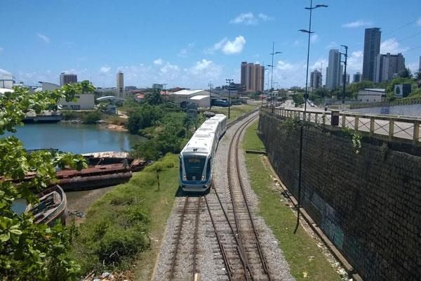 VLT foi da Estação Ribeira até a Estação Nova Natal