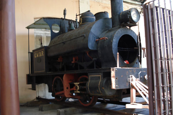 Praticamente abandonada em Recife, a Catita nº 3 chegou ao RN em 1906, vinda da Inglaterra. Em 1916 fez a travessia inaugural na antiga ponte de ferro sobre o rio Potengi