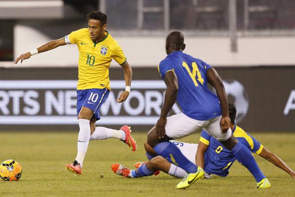 Após vitórias sobre Colômbia e Equador (foto), Seleção Brasileira chegou ao 6º lugar no ranking da Fifa