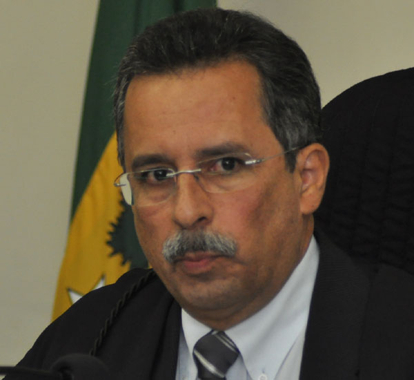 Des. Amaury Moura Sobrinho revogou efeitos de decisão do TCE