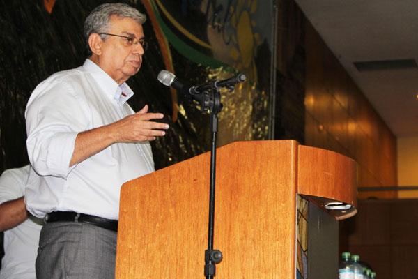 Ministro Garibaldi disse que a solução só chegará com diálogo